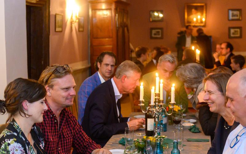 Gute Gespräche bei der Küchenparty 2019
